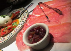 proscuitto and grapes