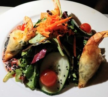 Shrimp in phyllo salad